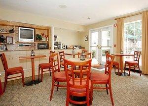 Restaurant - MainStay Suites Greenville
