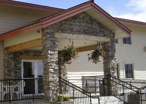 Rodeway Inn & Suites Eau Claire - Exterior