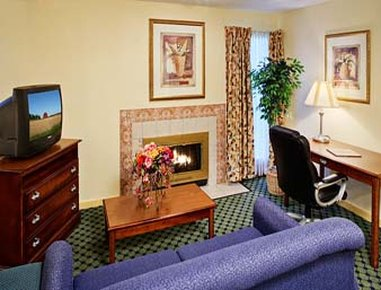 Hawthorn Suites Austin Central - Austin, TX