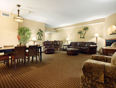 Ramada Tropics Resort / Conference Center Des Moines - Suite