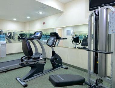 Ramada Jamaica/Queens - Fitness Center