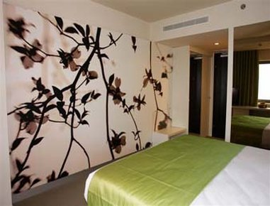 Ramada Plaza Bucharest Convention Center - Guest Room