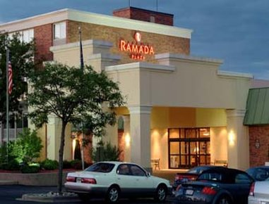 Ramada Plaza Grand Rapids MI Fasad