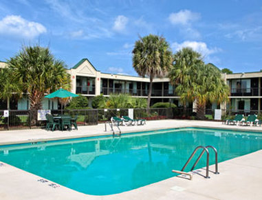 Holiday Inn Hotel & Suites FLORENCE SC @ I-95 & US HWY 52 - Pool