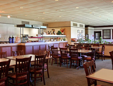 Holiday Inn Hotel & Suites FLORENCE SC @ I-95 & US HWY 52 - Breakfast Area