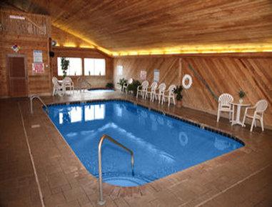 Super 8 Atlantic - Pool