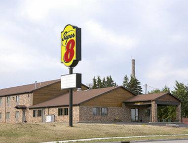 Super 8 Ashland - Ashland, WI