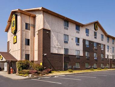 Super 8 Motel - Nashville/Downtown/Opryland Area - Welcome to Super 8 NashvilleDntnOpryland Area