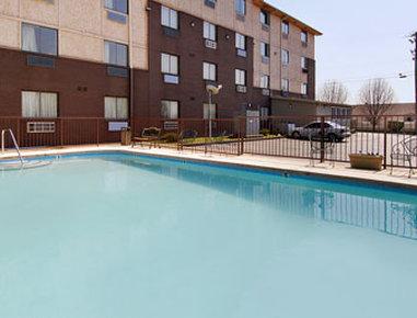 Super 8 Motel - Nashville/Downtown/Opryland Area - Pool