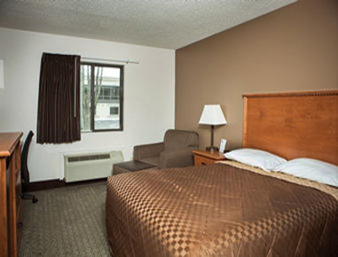 Super 8 Grand Island Hotel - King Bed Room