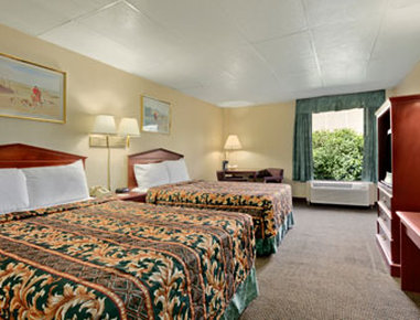 Super 8 Columbus - Guest Room
