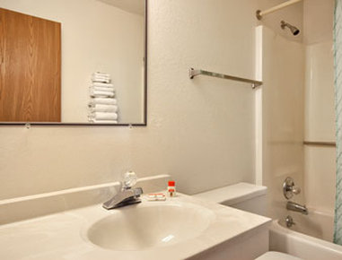 Comfort Inn Amp Suites In Mount Pleasant Ia 52641 Citysearch