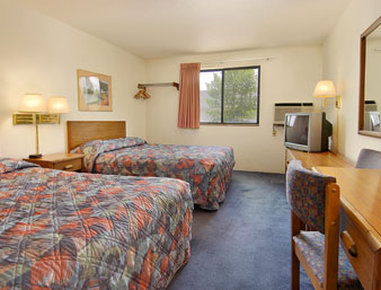 Super 8 Grand Forks - Standard Two Double Bed Room