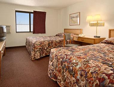 Super 8 Aberdeen West - Standard Two Queen Bed Room