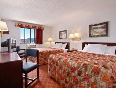 Super 8 Charlottesville - Standard Two Queen Bed Room