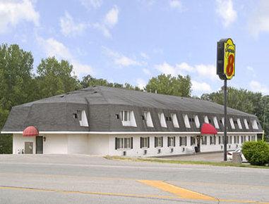 Super 8 Platteville - Platteville, WI