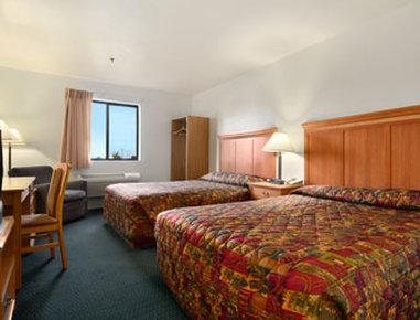 Super 8 Spokane/West - Standard Two Queen Bed Room