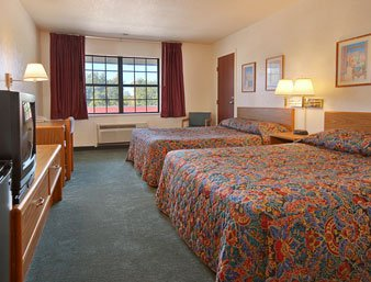 Super 8 Sulphur - Two Double Bed Room With Micro Fridge