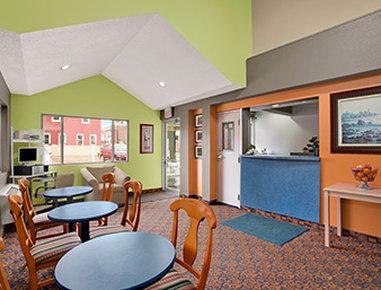 Super 8 Belleville St. Louis Area - Lobby