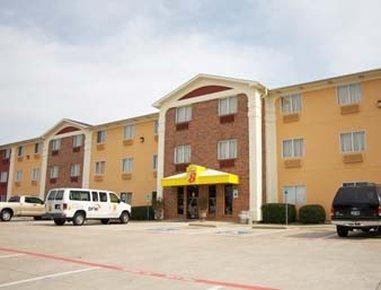 SUPER 8 - Bedford, TX