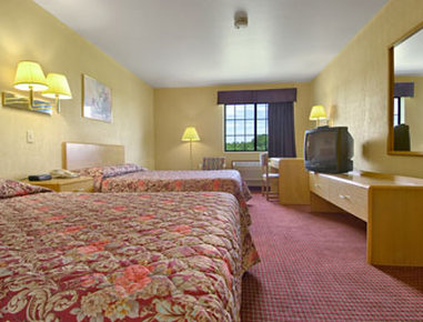 Super 8 Defiance - Standard Two Double Bed Room