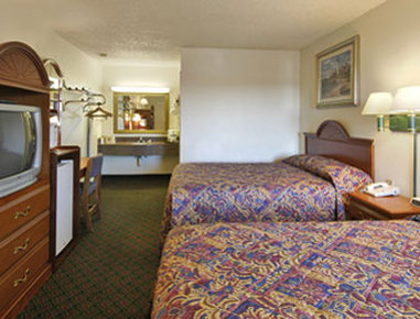 Super 8 Eastland - Standard Two Double Bed Room