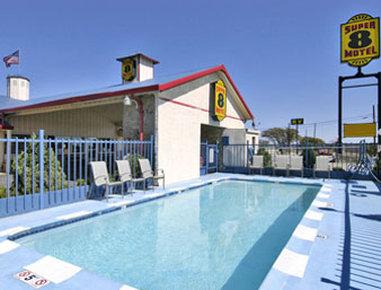 Super 8 Eastland - Pool