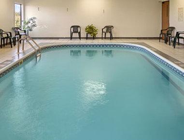 Super 8 Galesburg IL - Pool