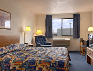Super 8 The Dalles OR - King Bed Room with MicroFridge