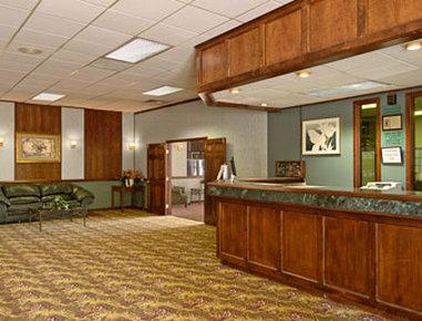 Super 8 Motel - Colorado Springs/South/Circle Dr. - Lobby