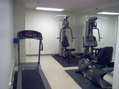 Super 8 Waterloo - Fitness Room