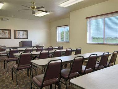 Super 8 Motel Iola Ks - Meeting Room