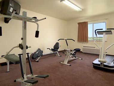 Super 8 Motel Iola Ks - Fitness Center