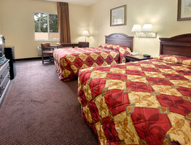 Super 8 Daytona Beach - Standard Two Double Bed Room