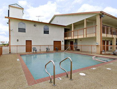 Super 8 Dallas South - Pool