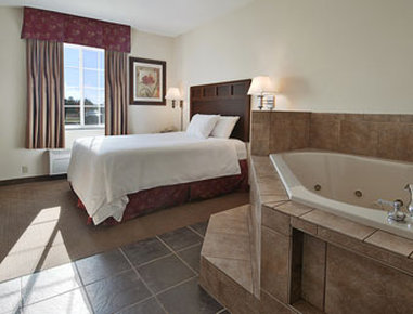 Super 8 Bowling Green North - Jacuzzi Suite