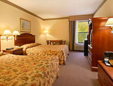 Super 8 Chattanooga/Hamilton Place - Two Queen Bed Room with Micro Fridge