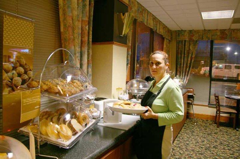 Baymont Inn & Suites Clarksville Northeast - Clarksville, TN