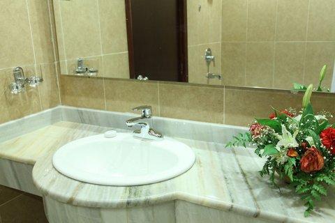 Regency Hotel Khartoum - Guest Bathroom