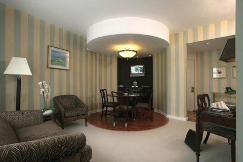 Hastings Europa Hotel - Junior Suite Living Area