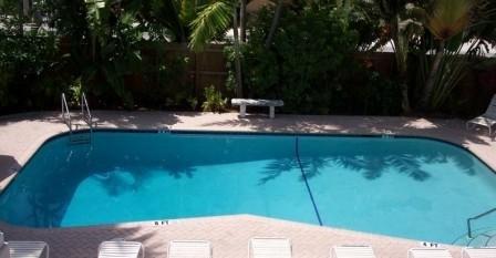 Cheston House - Pool