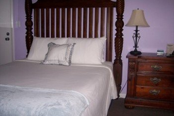 Cheston House - Guest Room