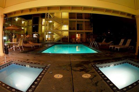 Santa Cruz Beach Inn - Pool