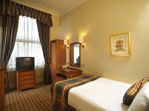 Thistle Aberdeen The Caledonian - Value Single