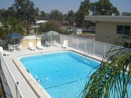 Holiday Palm Inn - Lakeland, FL