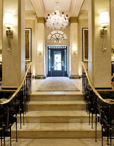The Eliot Hotel - Lobby View