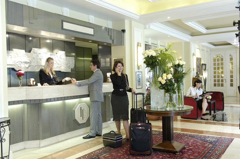Hotel du Parc Lobby