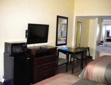 Days Inn And Suites Downtown Gatlinburg Parkway - Standard Two Queen Bed Room