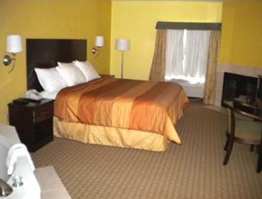 Days Inn And Suites Downtown Gatlinburg Parkway - 1 King Bed Jacuzzi Suite with Fireplace