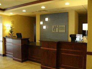 Lobby - Holiday Inn Express Hotel & Suites Rochester